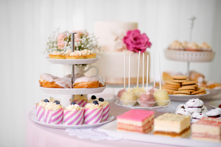 elegant table setup for birthday party