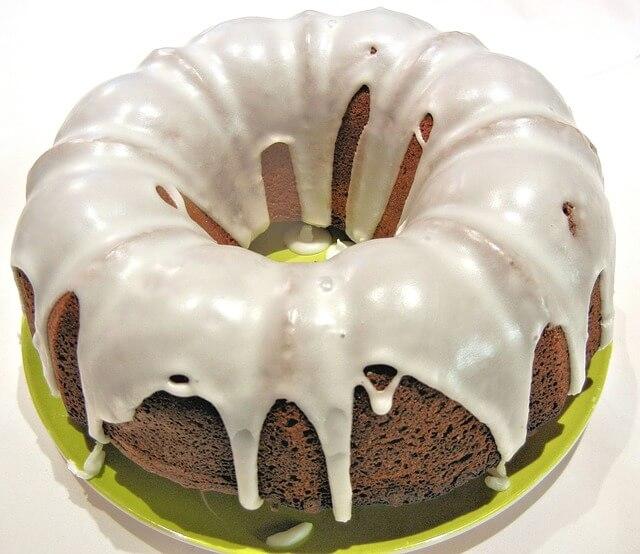 Olive Oil & Apple Bundt Cake
