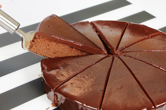 How To Make the Best Flourless Chocolate Cake — Baking Lessons from The Kitchn